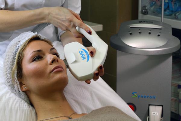 Эффективные аппаратные процедуры для омоложения лица